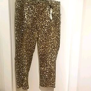 🆕️ NWT 22W JONES NEW YORK LEOPARD STRETCH JEANS